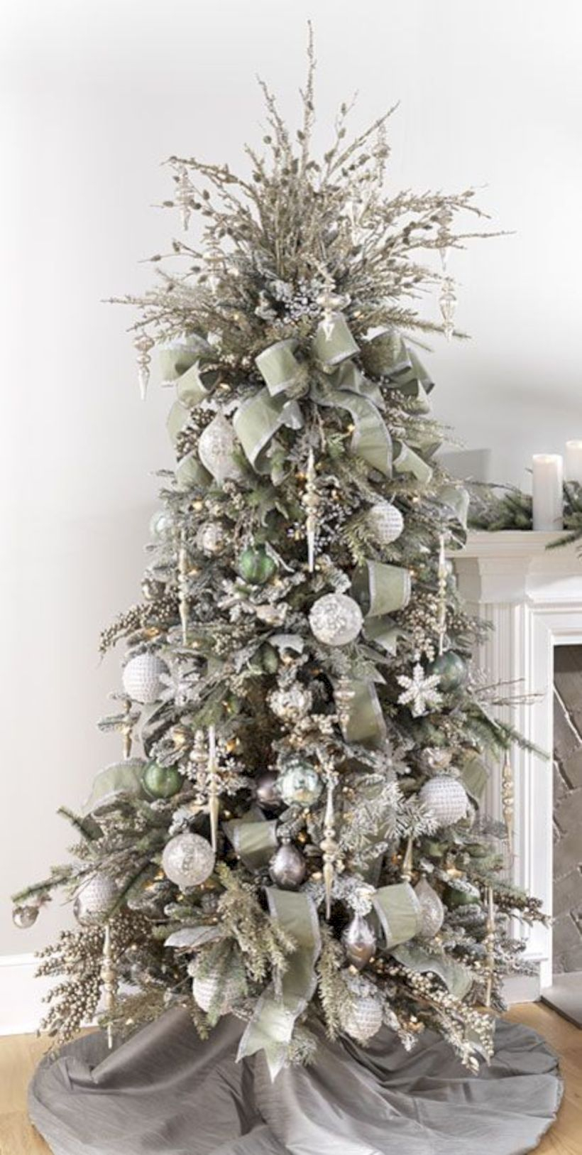 Awesome silver and white christmas tree decorating ideas 44