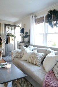 Beautiful christmas decor for small space 05