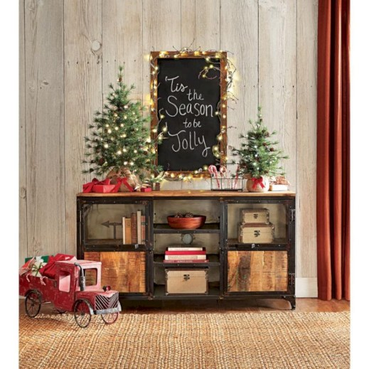 Beautiful christmas decor for small space 25