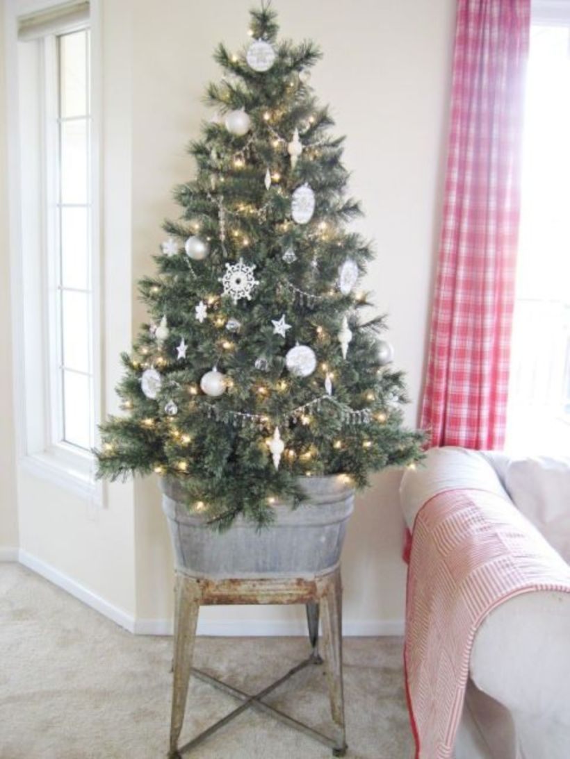 Beautiful christmas decor for small space 34