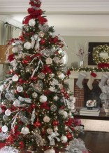 Beautiful christmas tree decoration ideas to see 06