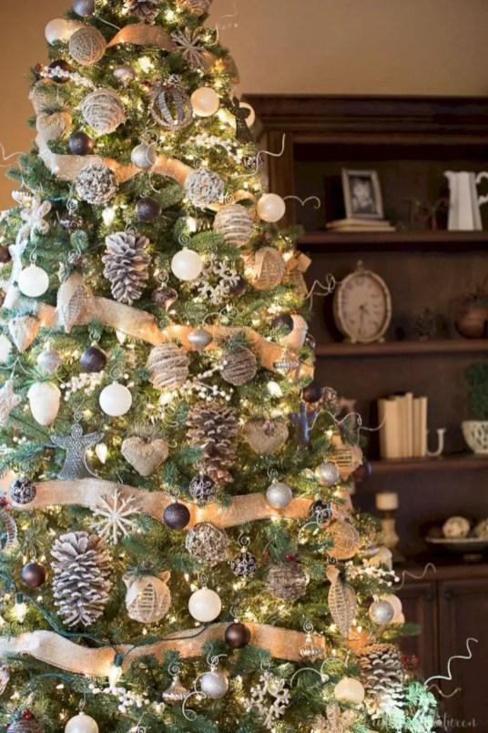 Beautiful christmas tree decoration ideas to see 22