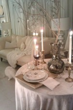 Beautiful winter table decoration ideas for a romantic dinner 04