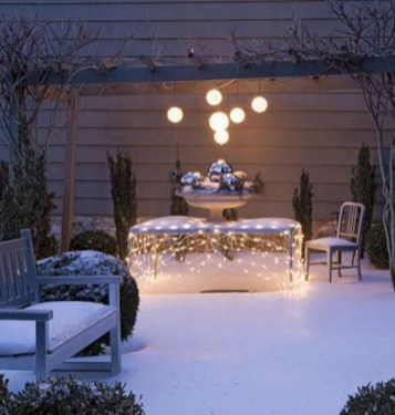 Beautiful winter table decoration ideas for a romantic dinner 06