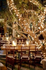 Beautiful winter table decoration ideas for a romantic dinner 11