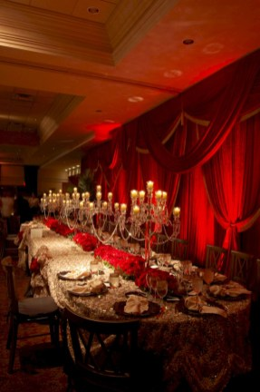 Beautiful winter table decoration ideas for a romantic dinner 24