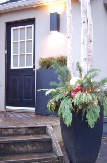 Colorful winter planters for your outdoor decorations 07