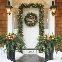 Colorful winter planters for your outdoor decorations 14