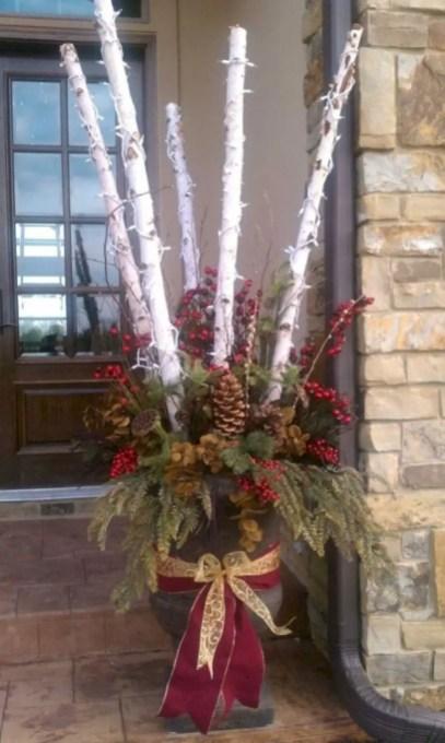 Easy christmas decor ideas for your door 08