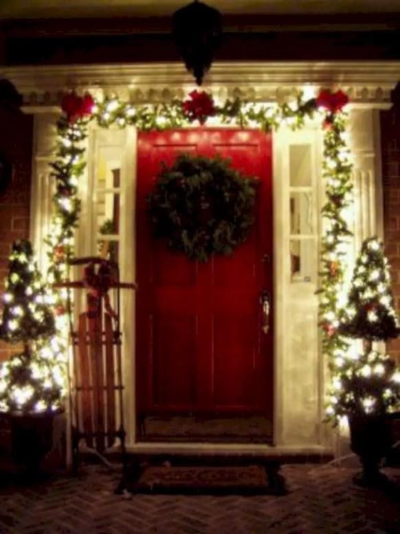 Easy christmas decor ideas for your door 21