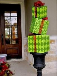 Easy christmas decor ideas for your door 24