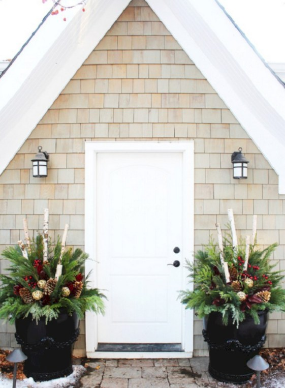 Easy christmas decor ideas for your door 29