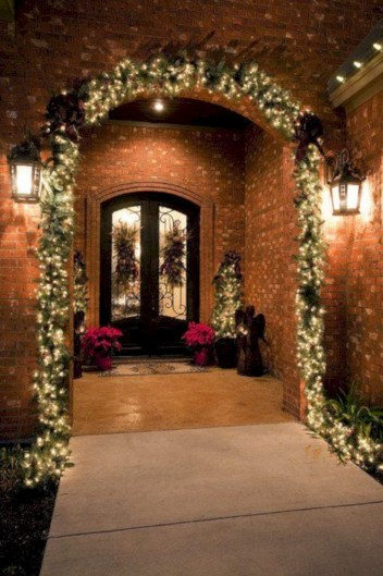 Easy christmas decor ideas for your door 39