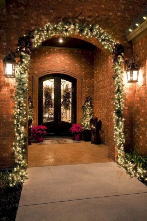 Easy christmas decor ideas for your door 39