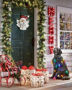 Easy christmas decor ideas for your door 41