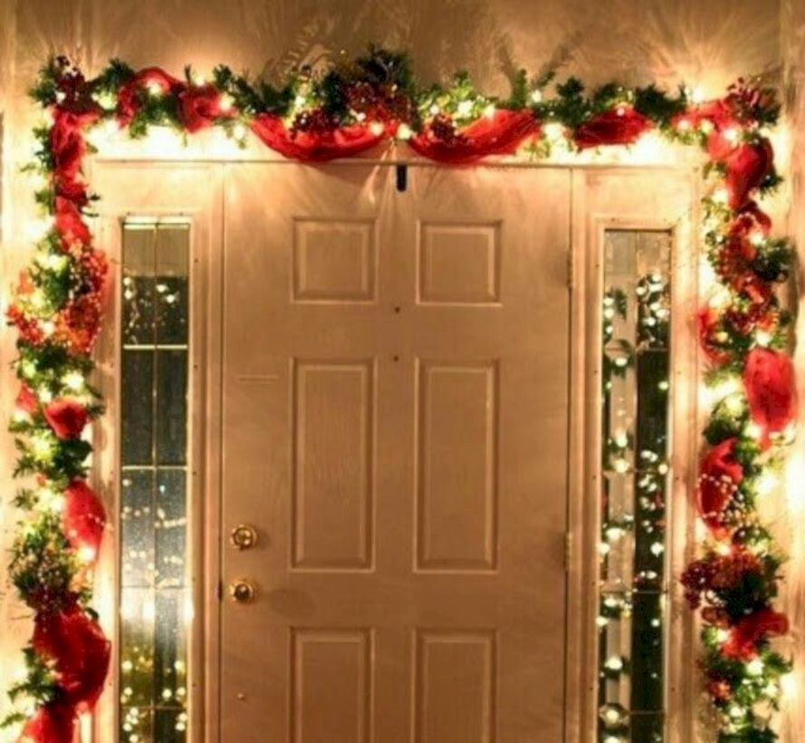 Easy christmas decor ideas for your door 47