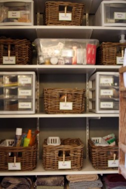 Ways to organizing your chaotic linen closet 07