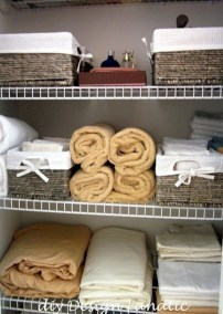 Ways to organizing your chaotic linen closet 13