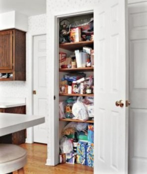 Ways to organizing your chaotic linen closet 20