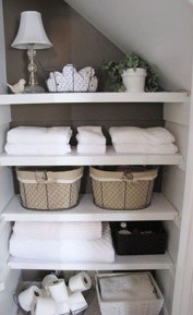Ways to organizing your chaotic linen closet 37