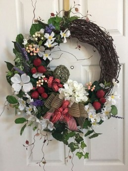 Winter christmas wreath to compliment your door 11