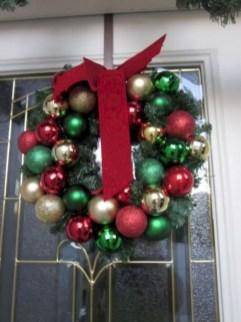 Winter christmas wreath to compliment your door 15