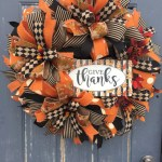 Winter christmas wreath to compliment your door 18
