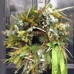 Winter christmas wreath to compliment your door 32
