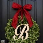 Winter christmas wreath to compliment your door 37