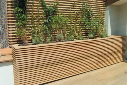 Beautiful yet functional privacy fence planter boxes ideas 14