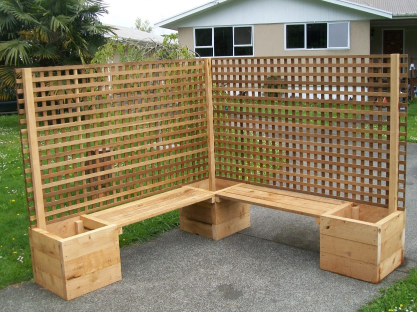 Beautiful yet functional privacy fence planter boxes ideas 42
