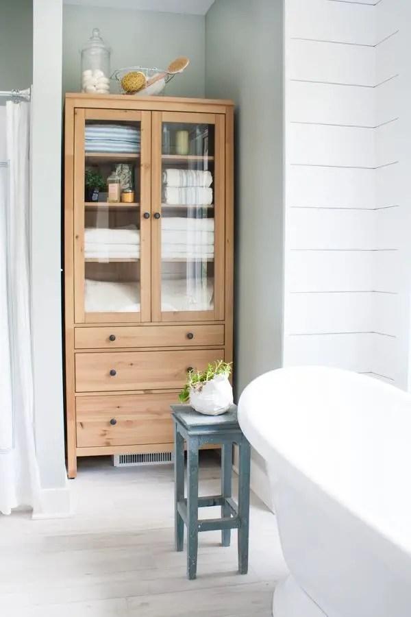 Cozy master bathroom decor ideas 12