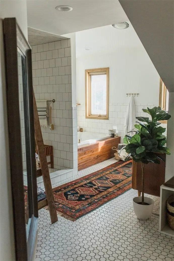 Cozy master bathroom decor ideas 44