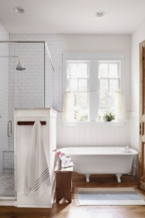 Cozy master bathroom decor ideas 51