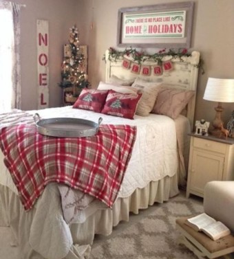 Cozy and beautiful bedroom for winter decor ideas 39