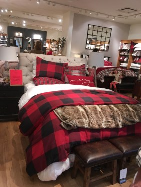 Cozy and beautiful bedroom for winter decor ideas 57