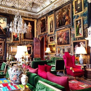 Gorgeous maximalist decor ideas for any home 06