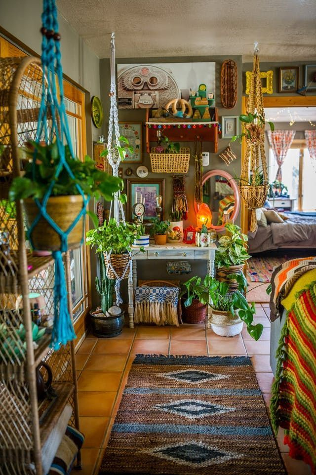 Gorgeous maximalist decor ideas for any home 47