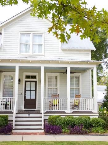 Modern farmhouse exterior design ideas 14
