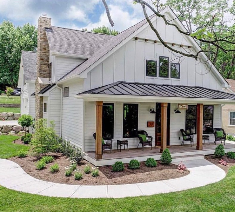 Modern farmhouse exterior design ideas 42