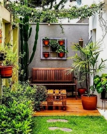 Attractive-small-garden