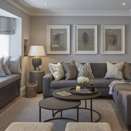 Design a living room in a small space that remains comfortablel 16