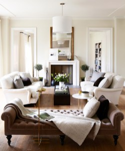 Design a living room in a small space that remains comfortablel 28