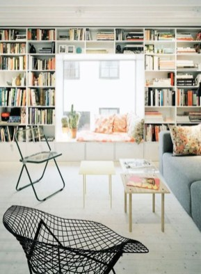 Design a living room in a small space that remains comfortablel 32