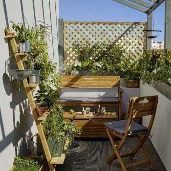 Small-balcony-garden