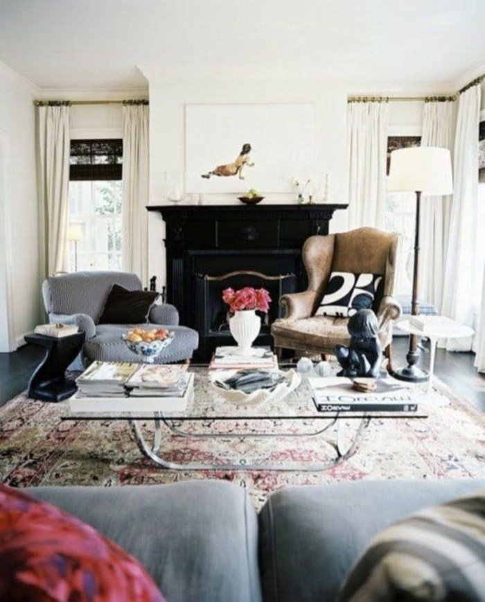 The design of the living room looks luxurious 07