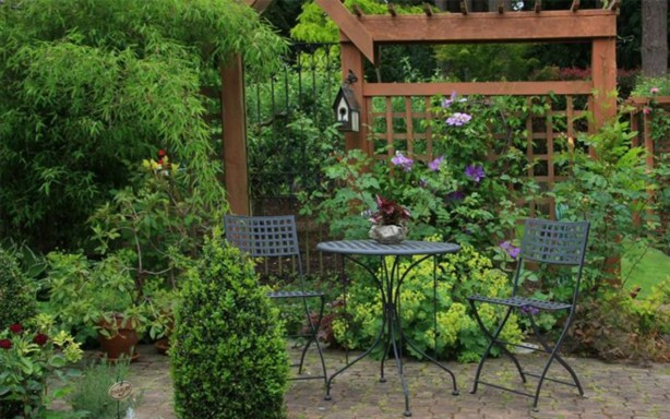 The best garden design for small areas 12