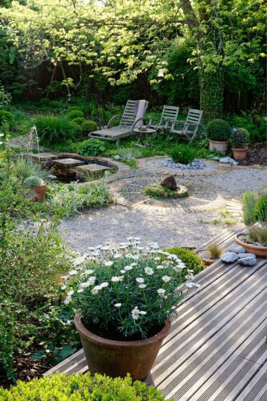 A small garden design that is still beautiful to see 11