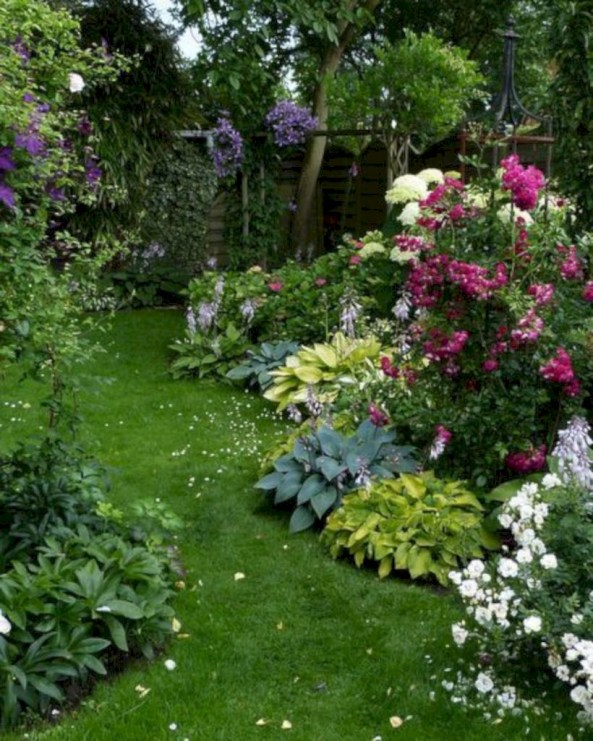 Amazing rose garden ideas in this year 14