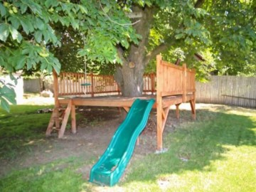 Backyard design ideas with children's slides 02
